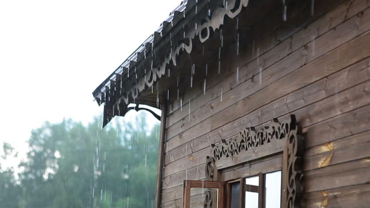 LIPUTAN6.COM – Hati-Hati Guyuran Hujan Tipuan di Indramayu